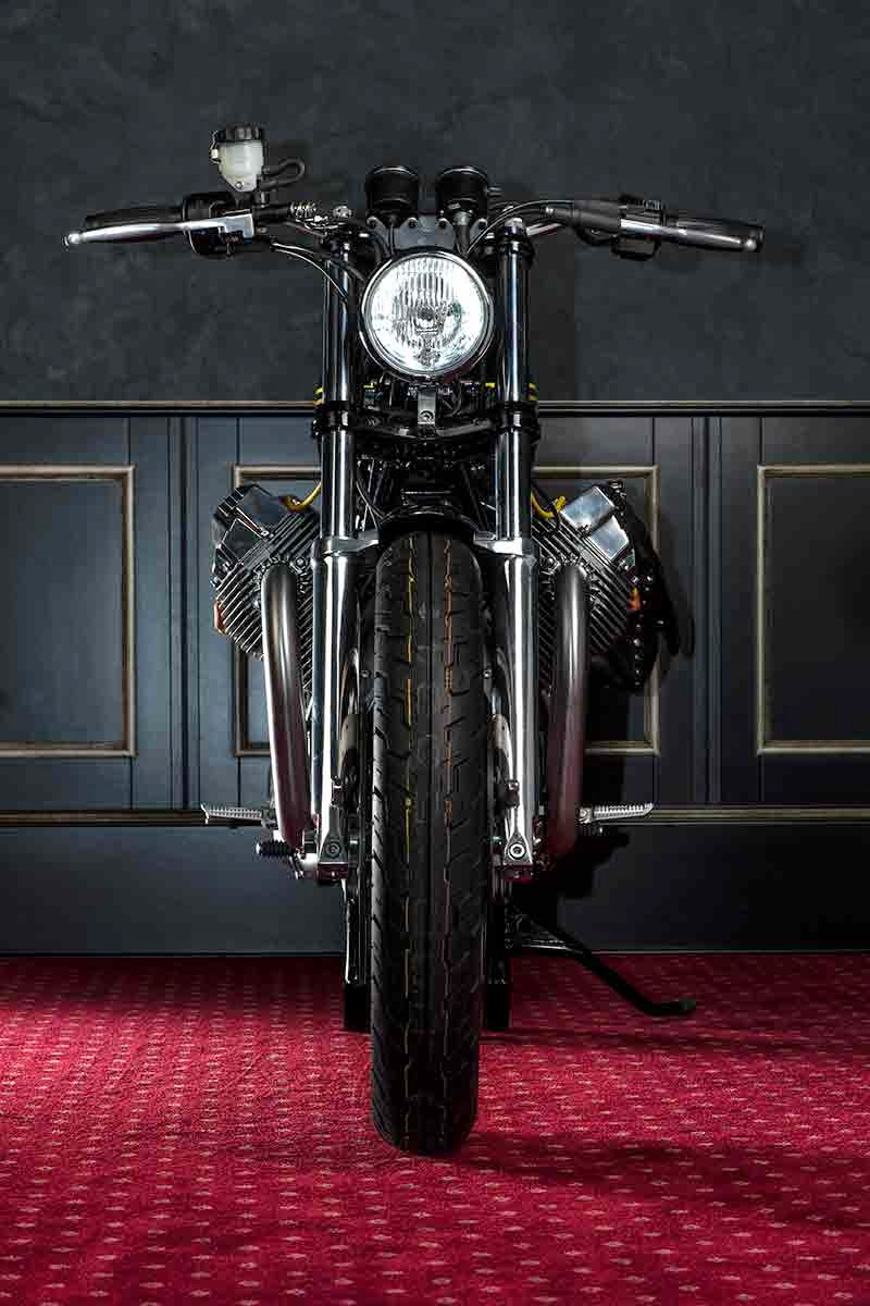 Guzzi_Champion_Martini_9