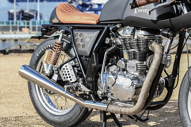 Royal_Enfield_Dirty_Girl_Rewind_6