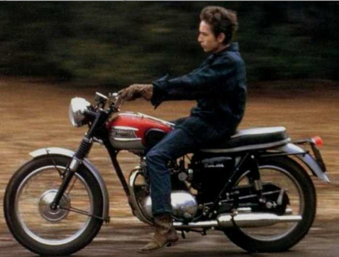 bob-dylan-triumph-motorcycle1