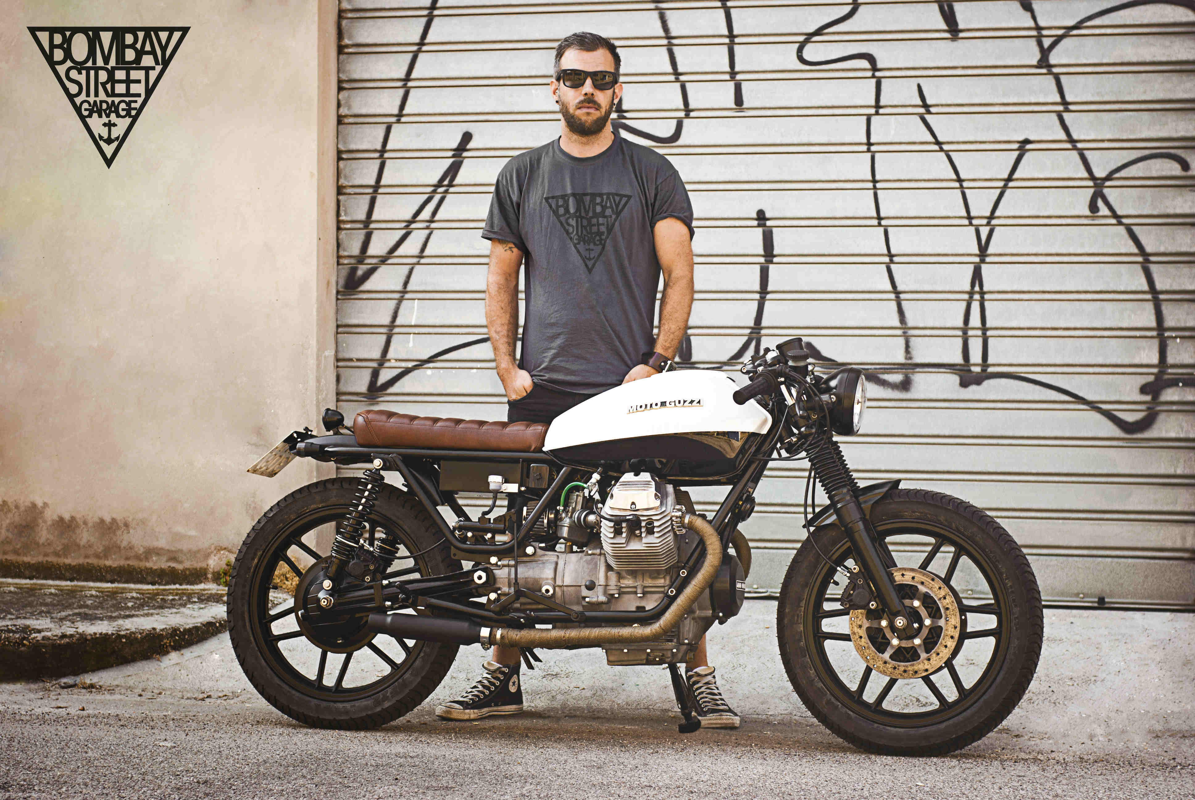 Moto Guzzi V35 Bombay Garage 8