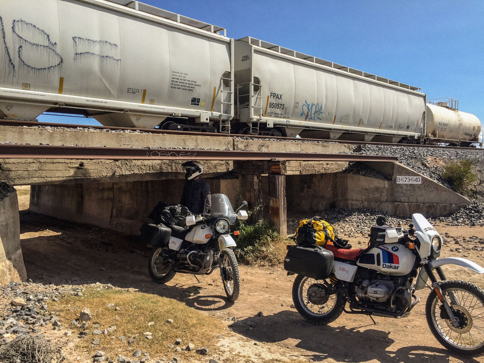 2-Wadley-Station-Mexico-Passing-under-railway