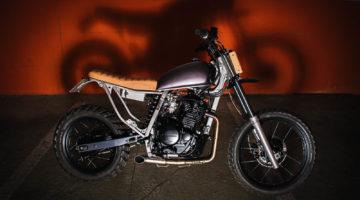 Honda XL #bombay7. La strada non basta a tenere a bada un Fulmine