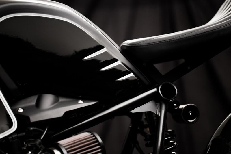 bmw-r-nine-t-dark-fighter-mandrill-garage-cina-2