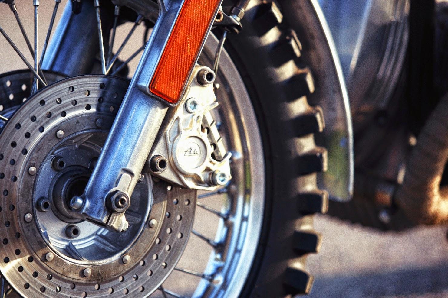 BMW-R45-Custom-Motorcycle-14-1480x986