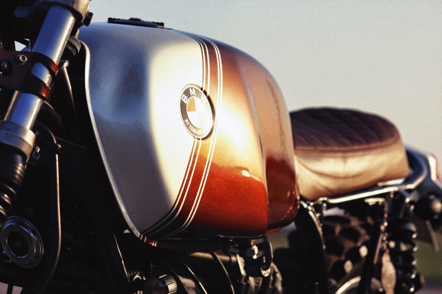 BMW-R45-Custom-Motorcycle-16-1480x986