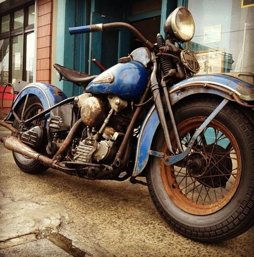 Harley Knucklehead Rusty