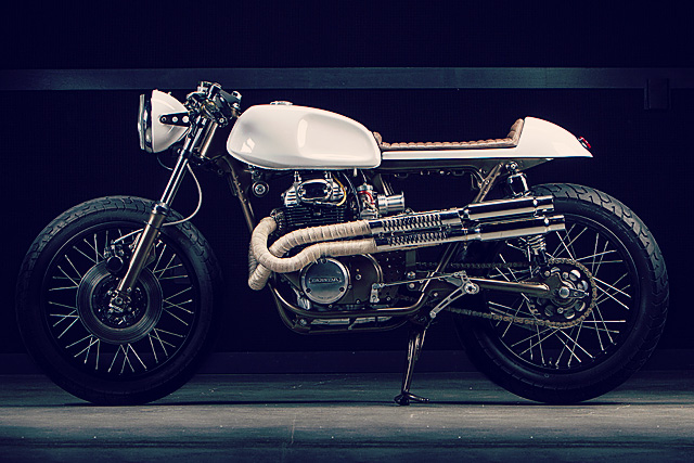 Honda 350 Dia de Los Motos 1