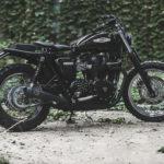 "Triumph Bonneville ""Foxtrot"" by Anvil Motociclette. Di traverso, con stile"