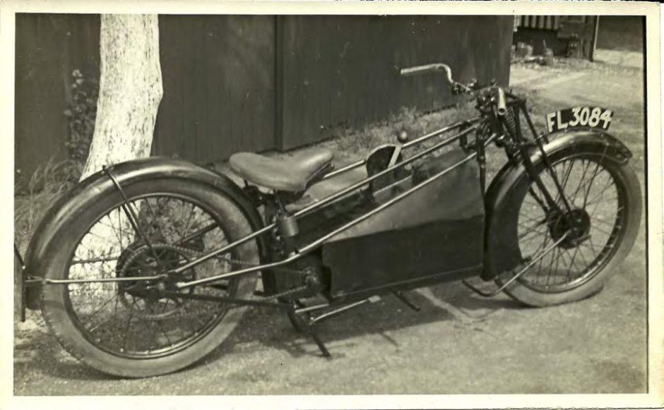 1922-pidcock douglas