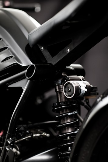 bmw-r-nine-t-dark-fighter-mandrill-garage-cina-7