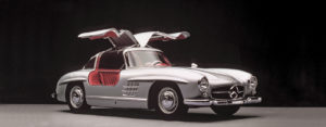 Mercedes-Benz-300-SL--1-