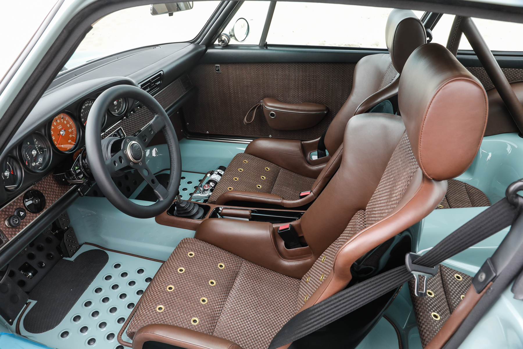 1991_Porsche_911_Singer_Rust_and_Glory_5
