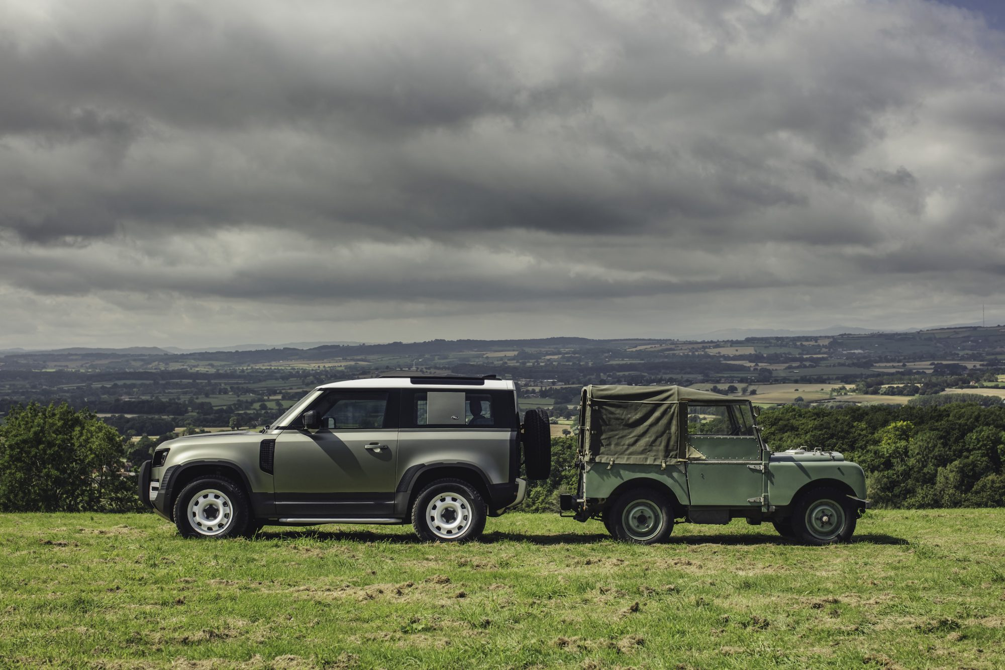 Land-Rover-Defender-2019-Rust-and-Glory-13