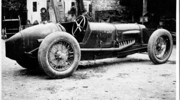 """Il record della Maserati Tipo V4 e di Mario Umberto """"Baconìn"""" Borzacchini"""